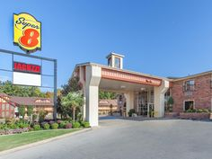 Tyler (TX) Super 8 Tyler United States, North America Super 8 Tyler is perfectly located for both business and leisure guests in Tyler (TX). Offering a variety of facilities and services, the hotel provides all you need for a good night's sleep. Service-minded staff will welcome and guide you at the Super 8 Tyler. All rooms are designed and decorated to make guests feel right at home, and some rooms come with air conditioning, wake-up service, desk, alarm clock, telephone. Enj...