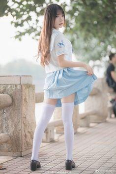 School Girl Japan, Japanese School Uniform Girl, School Girl Outfit, School Uniform Girls, Girls Uniforms, Japan Girl, High School Girls, Beautiful Japanese Girl, Beautiful Asian Women