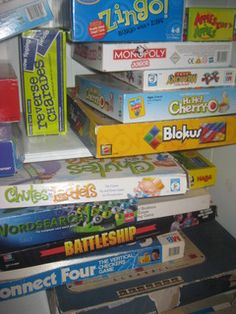 Ideas for what to do instead of screens. Keep games and craft supplies handy, easy to reach.