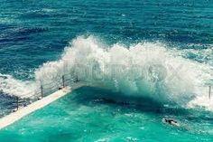 """Vaizdo rezultatas pagal užklausą """"pool in the sea"""""""