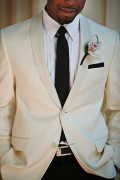 White jacket that doesn't look like a waiter. Groom Style.