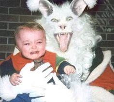 Creepy Vintage Easter Bunny Is The Stuff Of Nightmares (PHOTO) laughing so hard! Vintage Bizarre, Creepy Vintage, Funny Vintage, Funny Easter Pictures, Funny Photos, Creepy Pictures, Awkward Photos, Easter Funny, Creepy Images