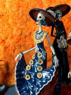 Dia de Los Muertos figurines. Mexico