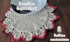 Olá Pessoal!!! Passo a Passo Sousplat de Crochê Materiais Utilizados: - 1 Agulha Círculo Soft 3,5 mm - 1 Barroco Natural nº6 - 1 Barro...