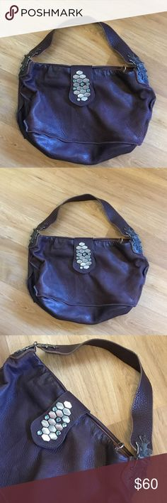 Tylie Malibu brown leather large Handbag Tylie Malibu large leather handbag in good preowned condition clean inside and out ,thank you Tylie Malibu Bags Shoulder Bags
