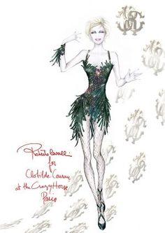 Clotilde Courau au Crazy Horse avec des tenues créées par Roberto Cavalli