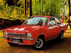 Opel Kadett C. Mijn ouders hadden precies dezelfde.
