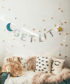 One of the most exciting parts about going to college is getting to decorate your own dorm. Here's how to decorate your dorm based on your horoscope! Living Room Decor, Bedroom Decor, Bedroom Ideas, Bedroom Inspiration, Style Inspiration, Tumblr Rooms, Room Goals, Noel Christmas, College Dorm Rooms