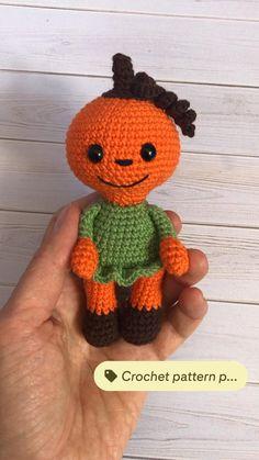 Halloween Crochet Patterns, Crochet Toys Patterns, Amigurumi Patterns, Stuffed Toys Patterns, Cute Crochet, Easy Crochet, Crochet Hats, Diy Crochet Projects, Crochet Ideas