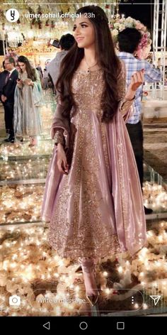 Pakistanische Brautkleider Elegant Pretty Mauve Anarkali Kurtis - New Ideas Walima Dress, Shadi Dresses, Pakistani Formal Dresses, Pakistani Party Wear, Pakistani Wedding Outfits, Pakistani Dress Design, Pakistani Engagement Dresses, Pakistani Couture, Cute Wedding Outfits