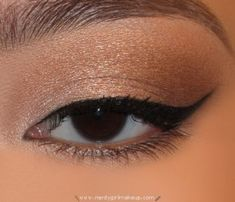 neutral shimmer with winged liner. perfect for everyday!