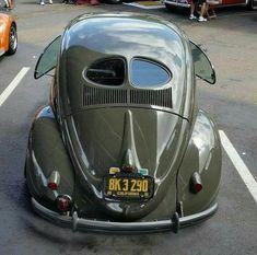 herbieteddyminibuggy: 1951 VW Beetle The split window Vw Volkswagen, Vw T1, Kdf Wagen, Vw Classic, Vw Vintage, Vintage Photos, Ferdinand Porsche, Vw Cars, Buggy