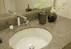 Cambria quartz bathroom countertop - Minera palette