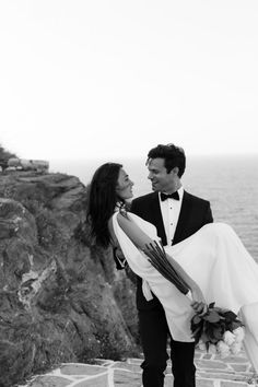 Real stylish eco-conscious wedding from the cliffs of Sifnos