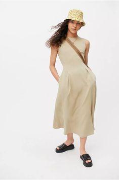 Urban Dresses, Nice Dresses, Flare Skirt, Urban Outfitters, Fitness Models, Feminine, Skirts, Cotton, Slim