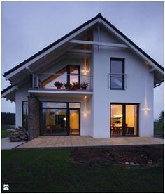 best modern farmhouse exterior design ideas - page 7 Building Facade, Building Design, Modern Exterior, Exterior Design, Exterior Siding, Style At Home, Tudor Style Homes, Modern Architects, Craftsman House Plans