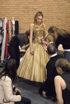 Alexander McQueen at Paris Fashion Week Fall 2008 - Backstage Runway Photos Flower Girl Dresses, Prom Dresses, Baby Couture, Lesage, Full Skirts, The Girl Who, Backstage, Alexander Mcqueen, Fashion Photography