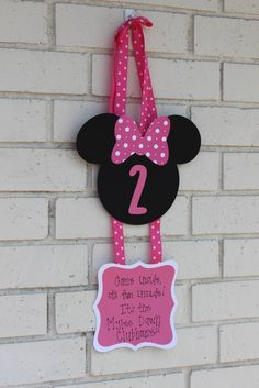 Minnie Mouse Birthday Party welcome sign!  See more party ideas at CatchMyParty.com