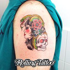 TATUAJE OLD SCHOOL | Diseño y tatuaje realizados por Javier Jiménez, tatuador e ilustrador en Rolling Tattoo Studio (Fuengirola) | OLD SCHOOL TATTOO | Designed and tattooed by Javier Jiménez, tattooist & illustrator in Rolling Tattoo Studio (Fuengirola). | #OldSchoolTattoo #TatuajeOldSchool #OldSchool #ColourTattoo #TatuajeAColor #Tatuaje #Tattoo