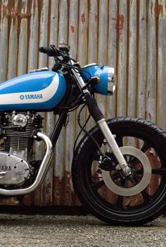 The Yamaha was launched in 1968 and at the time, it had the most advanced parallel twin motorcycle engine in the world. It used unit construction Yamaha 650, Yamaha Motorcycles, Scrambler Motorcycle, Motorcycle Engine, Motorcycle Design, Custom Motorcycles, Custom Bikes, Scooters, Motogp Valentino Rossi