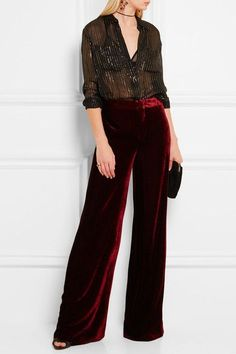Wide pants: Burgundy velvet Concealed hook and zip fastening a. Christmas Look, Pantalon Large, Velvet Fashion, Velvet Pants, Lanvin, Wide Leg Pants, Fashion Outfits, Fashion Trends, Autumn Winter Fashion