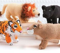 Spirit Animals - Whether you are cheering for a sports team or seeking guidance in your personal life, animals are a natural source of inspiration with their symbolic strength, tenacity, courage, and other qualities. In Spirit Animals, Jessica Boyer presents a collection of popular animal mascots to crochet with realistic features. Measuring from 3.5 to 9.5, projects include Bear, Bulldog, Cardinal, Wild Cats (variations for Panther, Cougar, Tiger, and Lion), Birds of Prey (variations for…