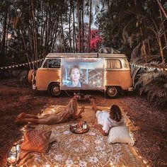 [[MORE]] 🌏 Northern Territory Van Life! 📷: - Date night on the road. Camper Life, Camper Van, Campers, Van Life, Kombi Trailer, Kombi Home, Van Interior, Van Living, Living In A Bus
