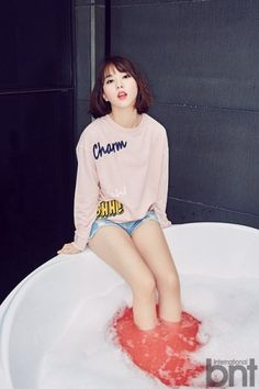Check Out G-Friend Eunha's Very First Solo Photoshoot with 'International bnt'… Kpop Girl Groups, Korean Girl Groups, Kpop Girls, Pretty Asian, Beautiful Asian Girls, Cute Girls, Cool Girl, Solo Photo, G Friend