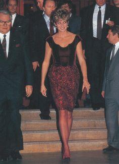 Princess Diana in Valentino - Hong Kong Gala @ Barbican, London - January 1992