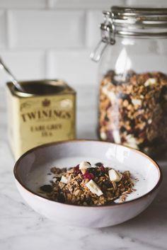 Baking Magique | Earl Grey Tea Granola | http://www.bakingmagique.com