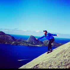Fjellstøtte på vei til brurastakken på Atløyna #atløy#ferie#natur#fjell#bruratakken