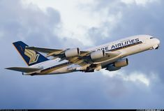 Singapore Airlines 9V-SKJ Airbus A380-841 aircraft picture