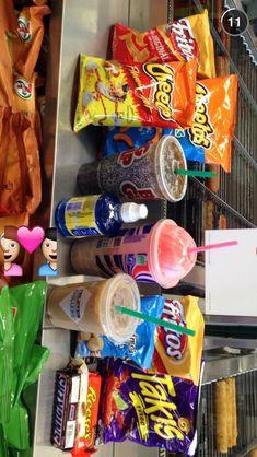 Tailgate Snack Food Ideas on Instead Of Junk Food Snacks yummy buzzf… Sleepover Snacks, Fun Sleepover Ideas, Night Snacks, I Love Food, Good Food, Yummy Food, Yummy Snacks, Yummy Yummy, Pyjama-party Essen