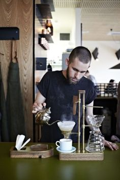 Wars: Is Melbourne the New Coffee Bar Capital? Common Galaxia Barista in Melbourne, AustraliaCommon Galaxia Barista in Melbourne, Australia I Love Coffee, Coffee Break, My Coffee, Coffee Cups, Coffee Maker, Drip Coffee, Expresso Coffee, Espresso, Coffee Barista