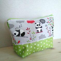 Trousse de toilette coton enduit vert pois et gris pandas