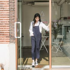 #envylook Loose Dual-Strapped Jumpsuit #koreanfashion #koreanstyle #kfashion #kstyle #stylish #fashionista #fashioninspo #fashioninspiration #inspirations #ootd #streetfashion #streetstyle #fashion #trend #style