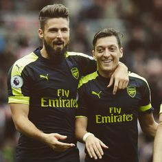 Giroud and Özil.