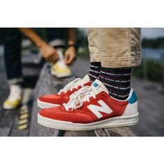Looking through its vast archives, New Balance has decided to reintroduce its 1979 made-for-tennis sneaker, the now with the branda? Me Too Shoes, Men's Shoes, Shoe Boots, Shoes Sneakers, Roshe Shoes, Nike Roshe, New Balance Outfit, New Balance Shoes, Yeezy