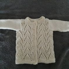 King cole filles chunky knitting pattern cable knit lacy cardigan gilet 4700