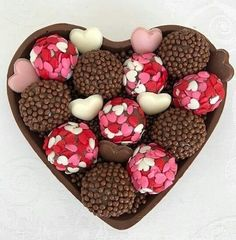 Chocolate Nutella, Chocolate Gifts, Chocolate Lovers, Chocolate Recipes, Fun Baking Recipes, Chocolate Packaging, Chocolate Decorations, Food Cravings, Truffles