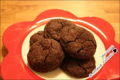 These chocolate sparkler cookies can be eaten within an hour from the moment you take out the flour and cocoa powder on the kitchen counter top.