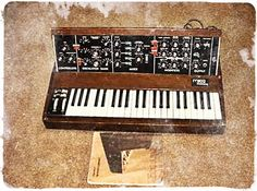 Moog Minimoog (1970) #1970s #vintage #synth #synthesizer #retro