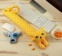desktop pets wrist rest sewing pattern, new from straight stitch society