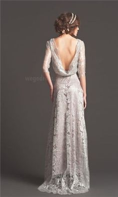 vintage wedding dress; love the way the back part is flyaway :) but the bottom layer could be a bit longer