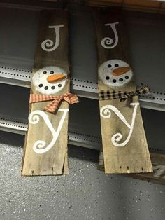 www.freecycleusa.... teds-woodworking.... Make it yourself diy woodworking crafts Snowman pallet decor #DIYWOODCRAFTS