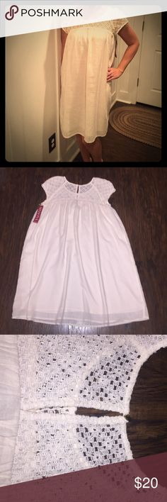 MERONA DRESS Light gauze-like material, cochet neckline, keyhole button back, fully lined Merona Dresses