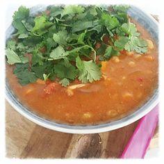 spicy witte bonen en zoete aardappel soep