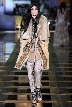 Roberto Cavalli Fall 2010 Ready-to-Wear Fashion Show - Jacquelyn Jablonski