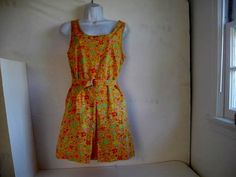 Hey, I found this really awesome Etsy listing at https://www.etsy.com/listing/211189552/vintage-j-crew-floral-dress-with-belt