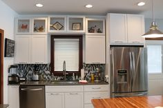 Best Kraftmaid Vantage Cabinets Lyndale Maple Dove White Suede 400 x 300